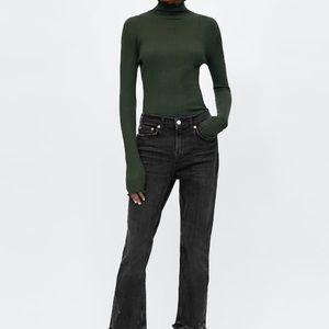 Zara Sweaters - zara ribbed sweater with scalloped detail